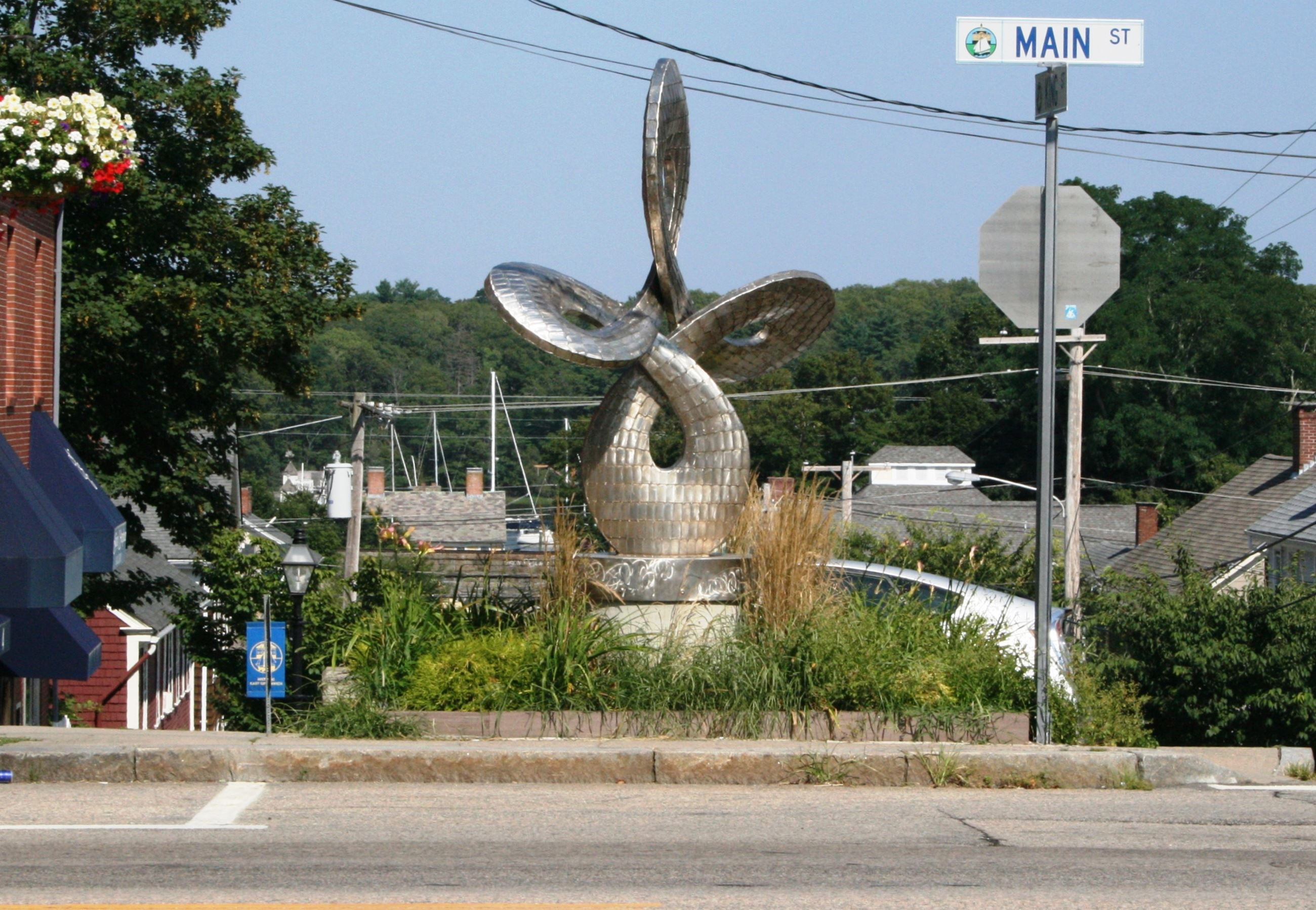 "Image of the ""Infinity"" sculpture on the corner of Main and King Street"